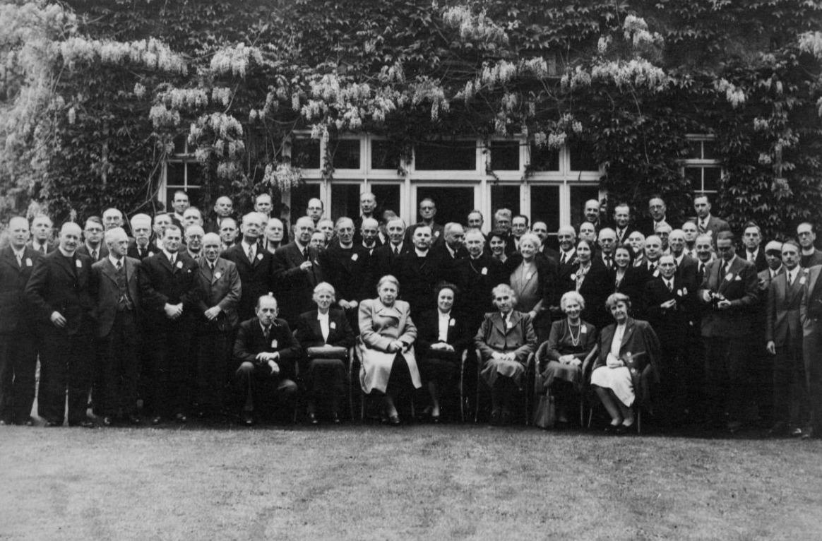 De oprichtingsvergadering van de United Bible Societies, Elfinsward Conference Centre, mei 1946 (Foto UBS)