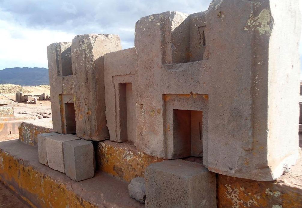 Pumapumku - H-vormige muurdelen