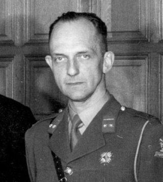 Alexander Fyves pada tahun 1946