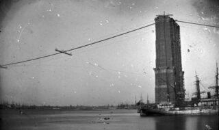 Bouw van de Brooklyn Bridge