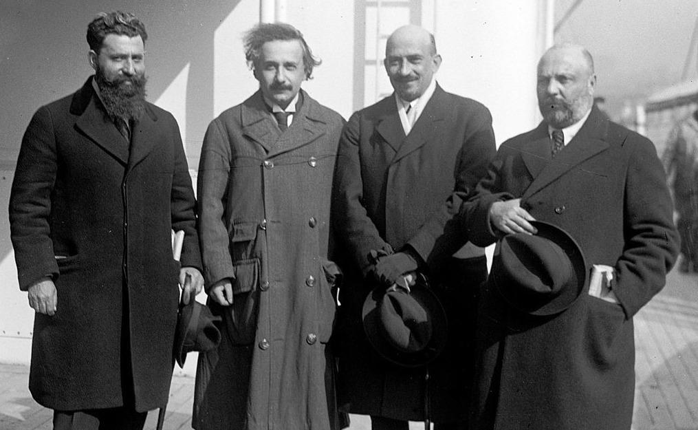Mossinson, Einstein, Weizmann en Ussishkin, april 1921