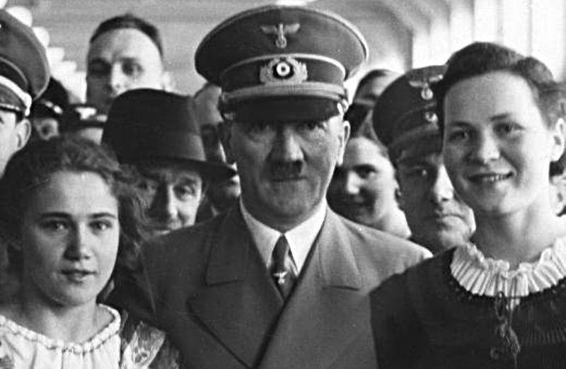 Hitlers hofhouding - Detail van de boekcover