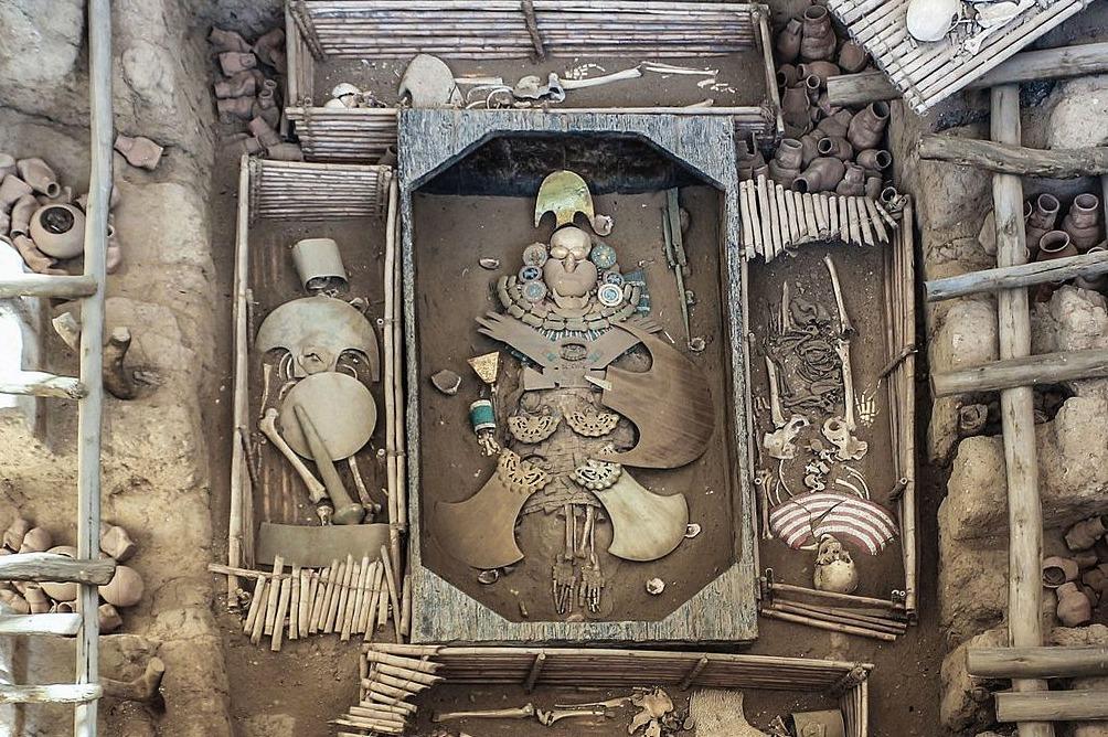 Reconstructie van het graf van de heer van Sípan in Huaca Rajada, Peru