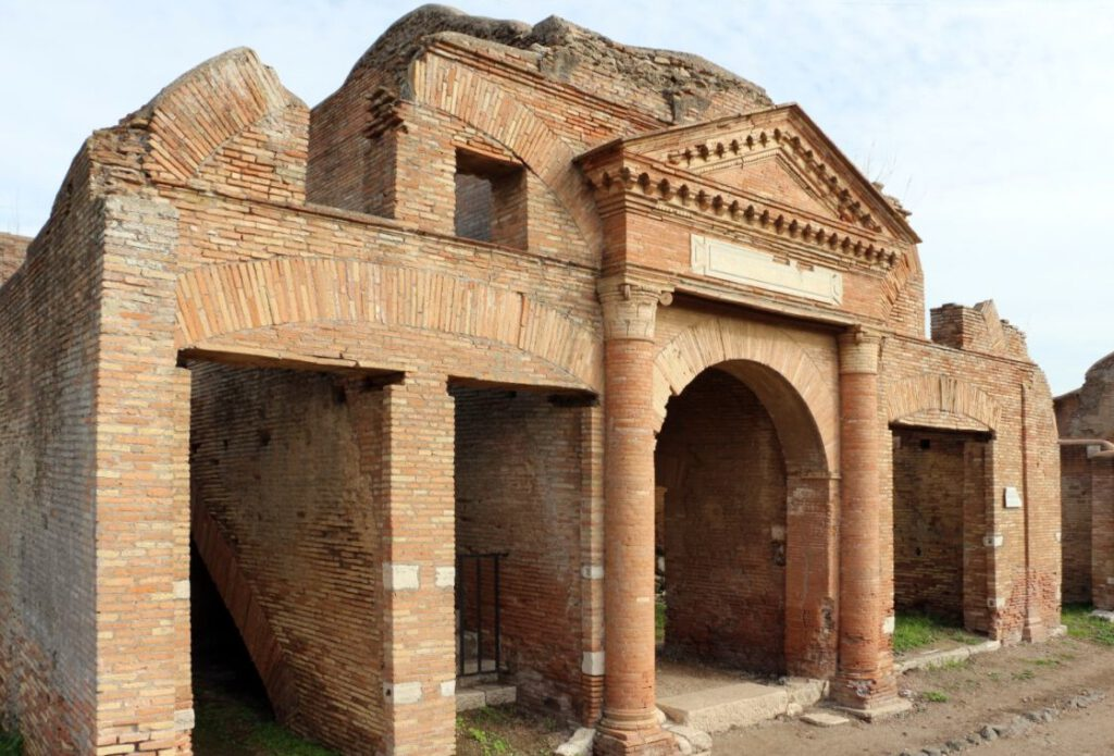 Een voorbeeld van een pakhuis uit Ostia: de Horrea Epagathiana et Epafroditiana