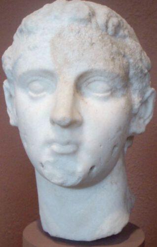 Marmeren beeld van Ptolemaios IV