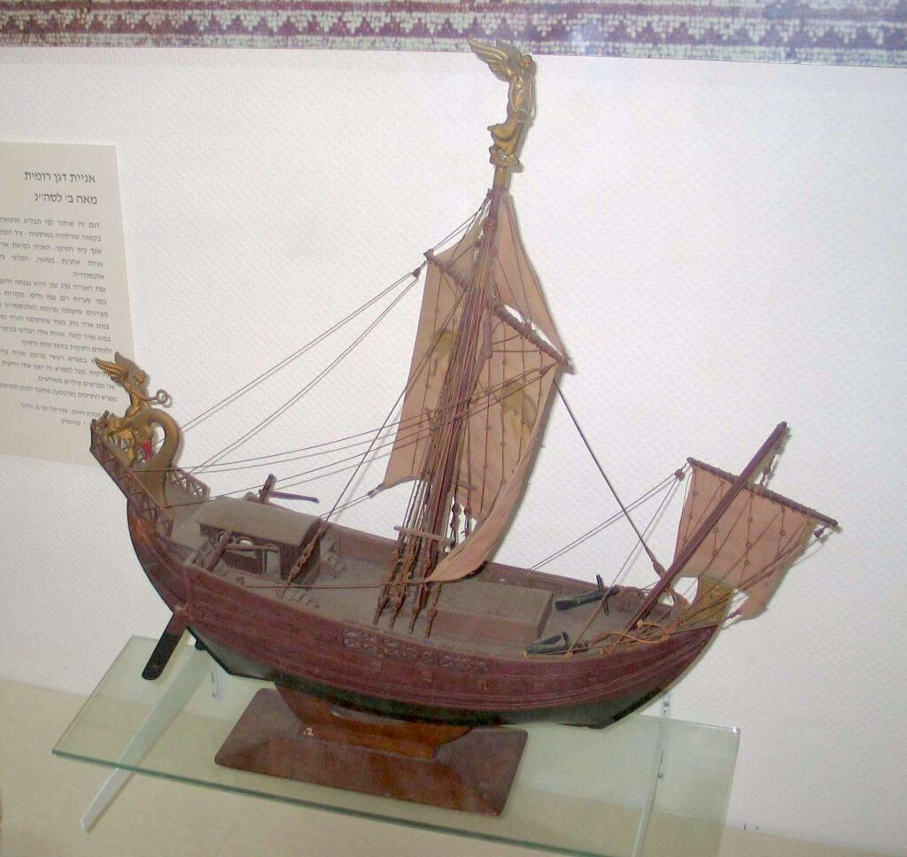 Voorbeeld van een kleiner Romeins graanschip. Grotere exemplaren hadden meestal drie masten