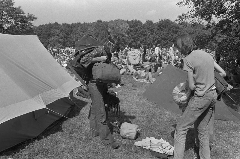 Holland Pop Festival - Tentenkamp voor de festivalbezoekers aan de rand van het Kralingse Bos.
