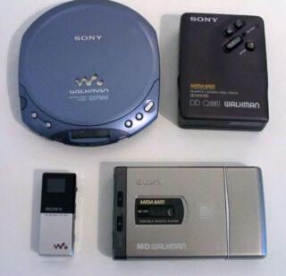Verschillende apparaten uit de Walkman-lijn