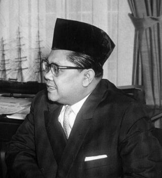 Zairin Zain als Indonesische ambassadeur in 1961