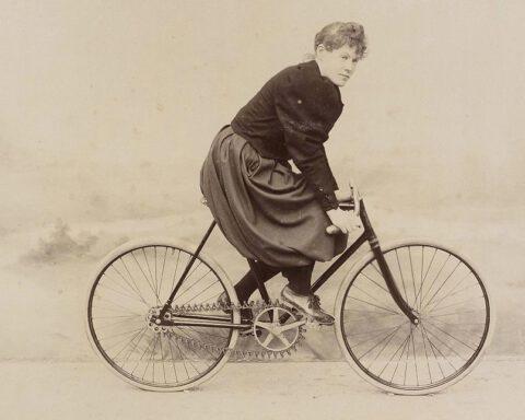 Amélie Le Gall - Mademoiselle Lisette - Foto van Jules Beau, ca. 1896