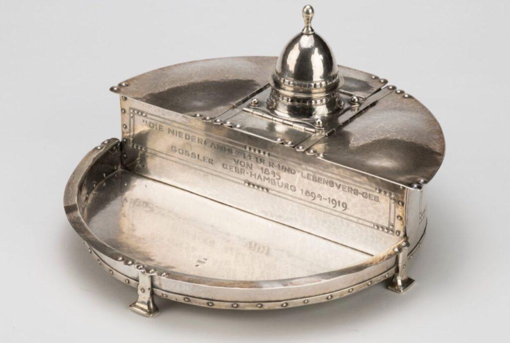Jac. van den Bosch (1868-1948) (ontwerp) / 't Binnenhuis, Amsterdam (uitvoering), Inktstel, 1919, zilver