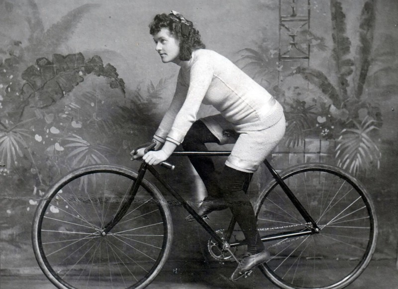 Amélie Le Gall in 1898