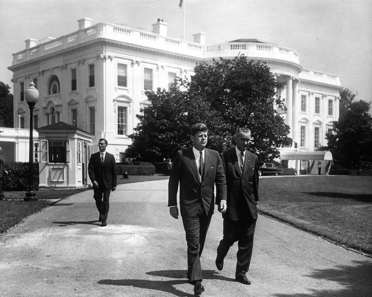 President Kennedy en vice-president Johnson, augustus 1961