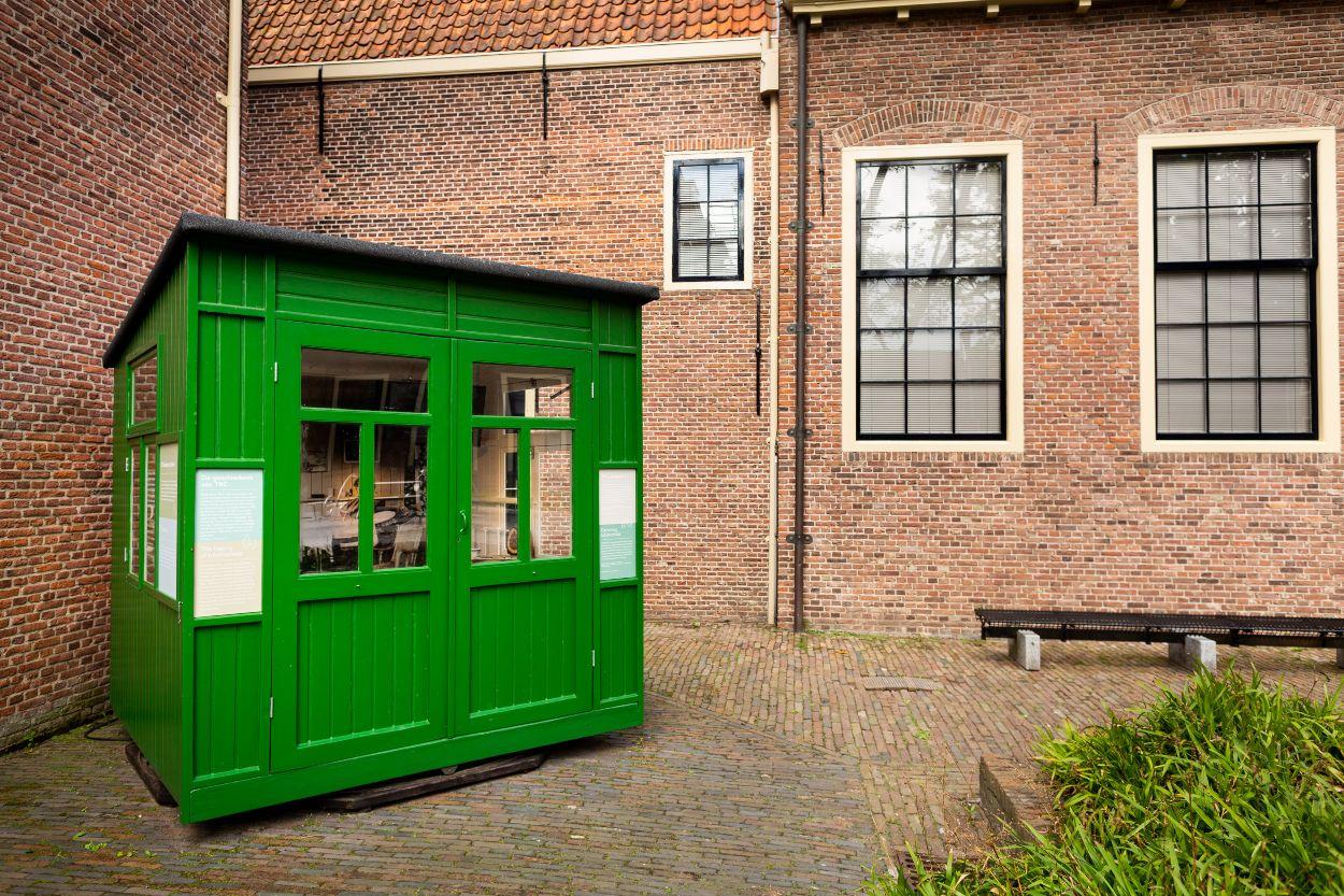 Het TBC-huisje in de tuin van Rijksmuseum Boerhaave
