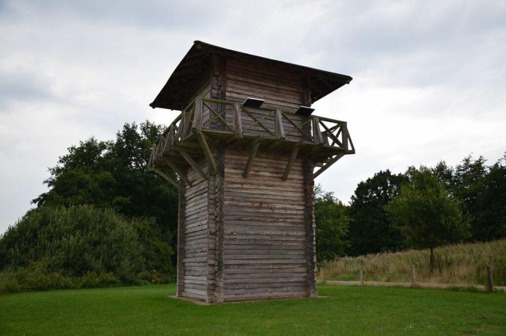 Gereconstrueerde wachttoren bij Vechten / Vectio