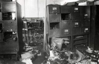 Bevolkingsregister van Amsterdam na de aanslag van maart 1943 waar Frida Belinfante bij betrokken was