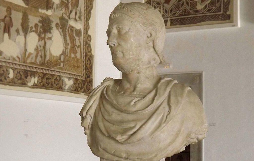 Buste van Hannibal in een museum in Tunis