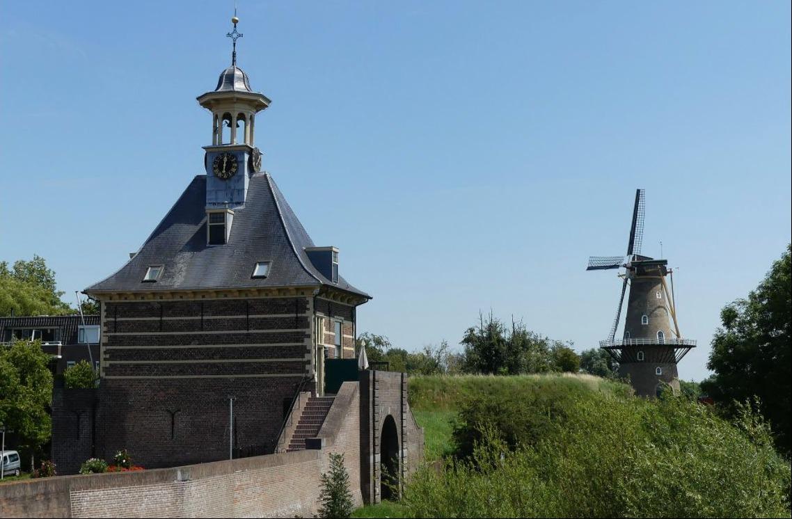 Zicht op de Dalempoort in Gorinchem