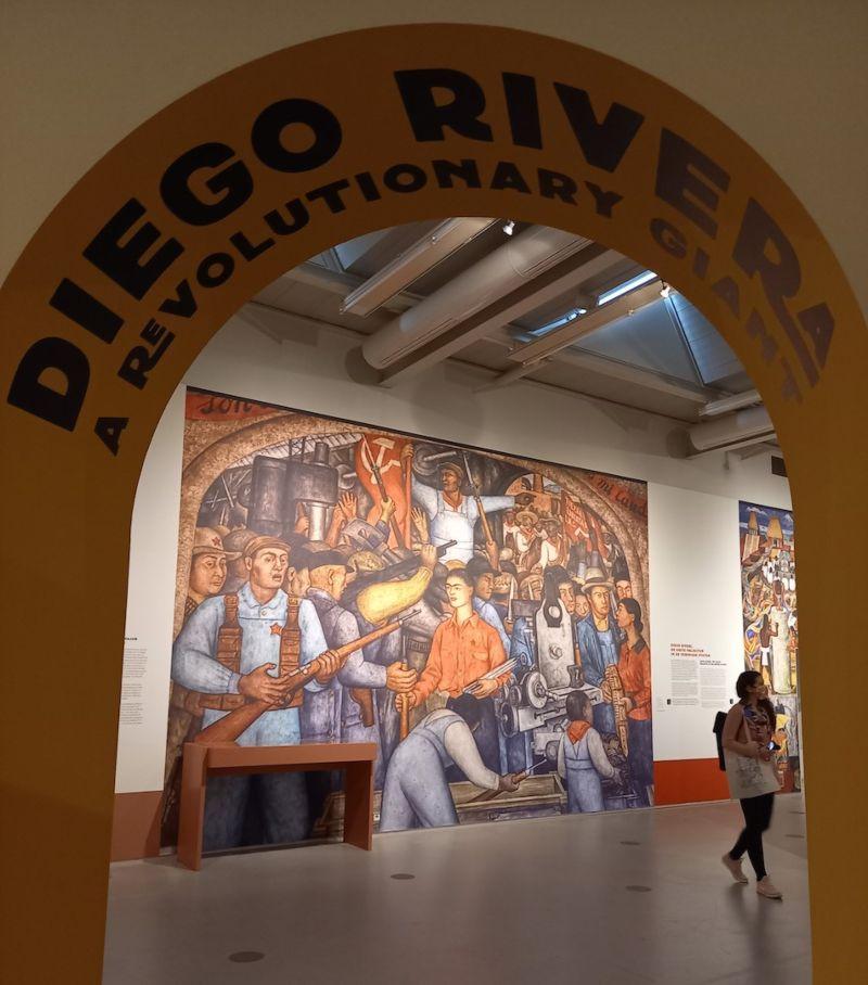 Diego Rivera, Het Wapenarsenaal, 1928. Uit reeks De voortgang van de proletarische revolutie, Ministerie van Onderwijs, Mexico-Stad. Foto Marina Marijnen