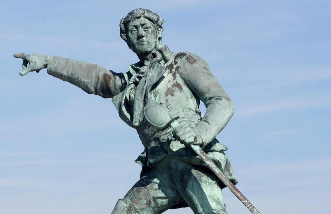 Detail van het standbeeld van Robert Surcouf in Saint-Malo