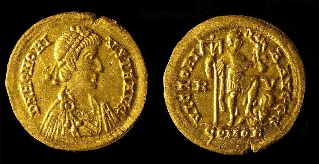 Willekeurige foto van twee Romeinse gouden munten