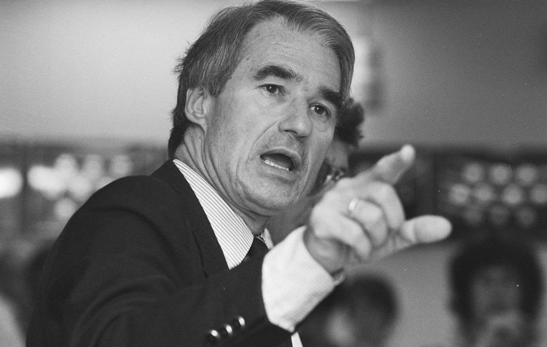 Rudolf de Korte als minister in 1987