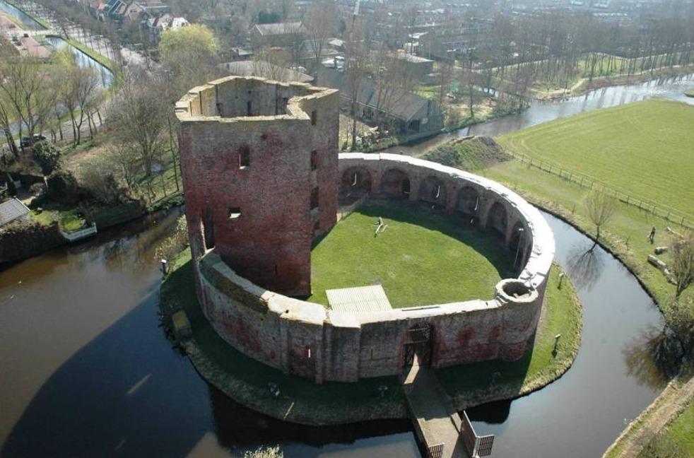 Ruïne van kasteel Teylingen waar 'Jacoba' in 1436 overleed