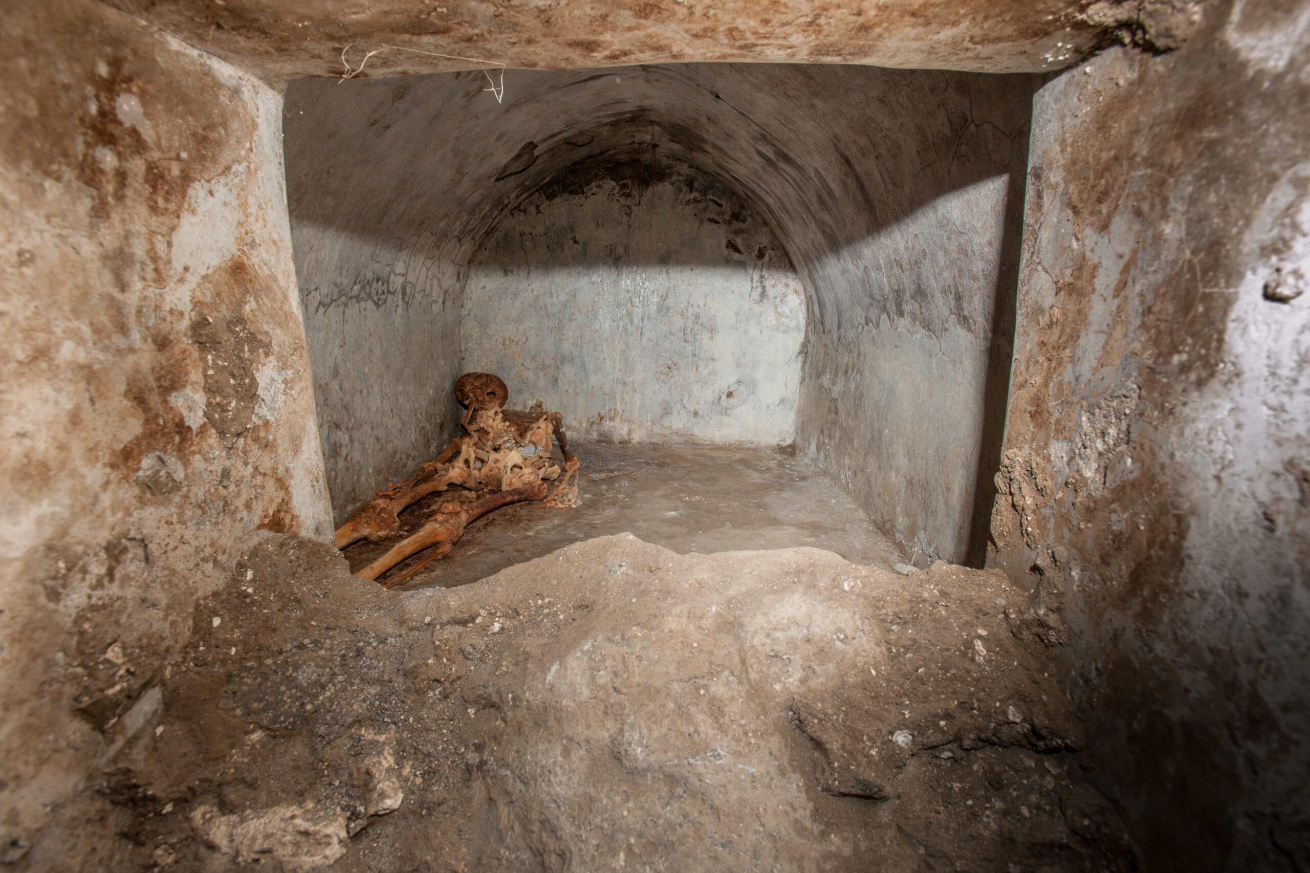 Skelet van de man in de tombe bij Pompeii