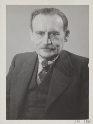 Willem Drees als minister in 1946