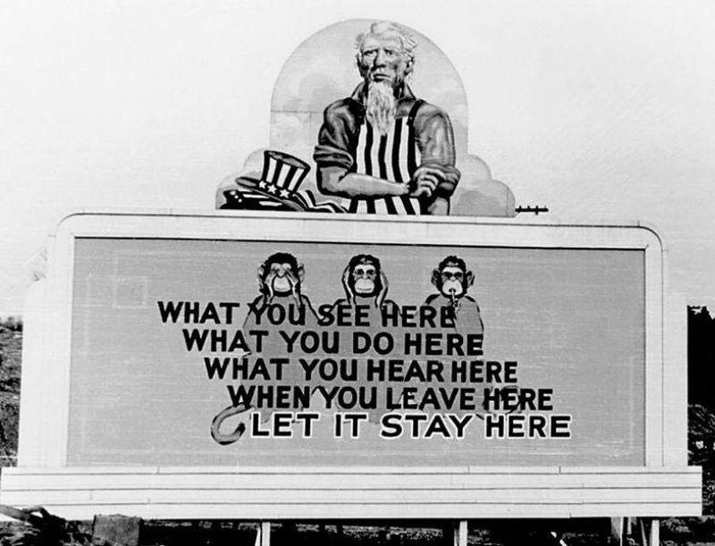 Oak Ridge. Bord geplaatst op 31 december 1943. (Foto: James E. Westcott, een Amerikaans militair die er werkte)- Publiek domein