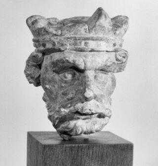Gebeeldhouwd hoofd gevonden bij klooster Klaarkamp