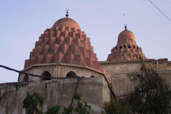 Koepels van het madrasa-complex van Nur al-Din Mahmud in Damascus, zijn laatste rustplaats
