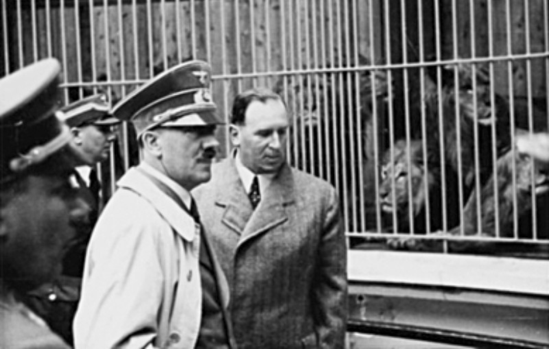 Hitler in de dierentuin van Nuremberg, 2 mei 1939