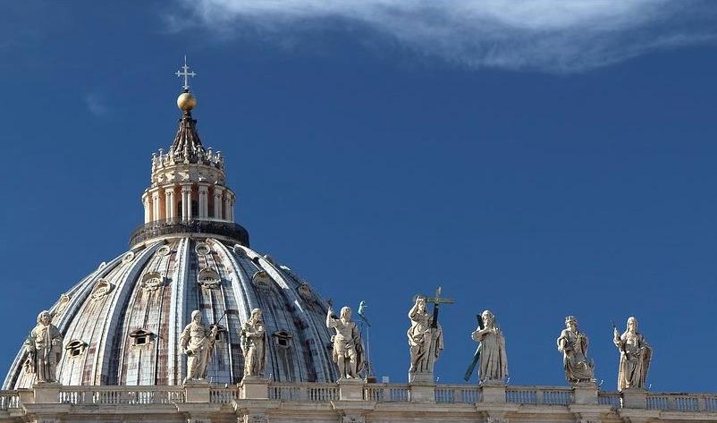 Zicht op de Sint-Pieter in Rome