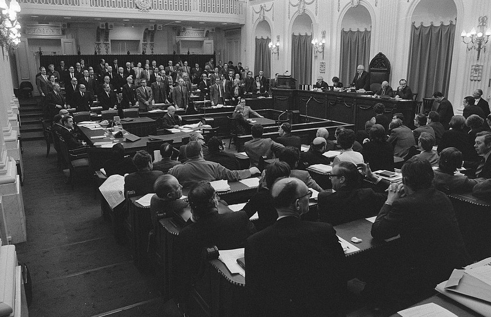 Tweede Kamer tijdens een debat in 1971